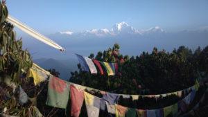 Tibetische Gebetsfahnen tragen das Om mani padme hung in die Welt!